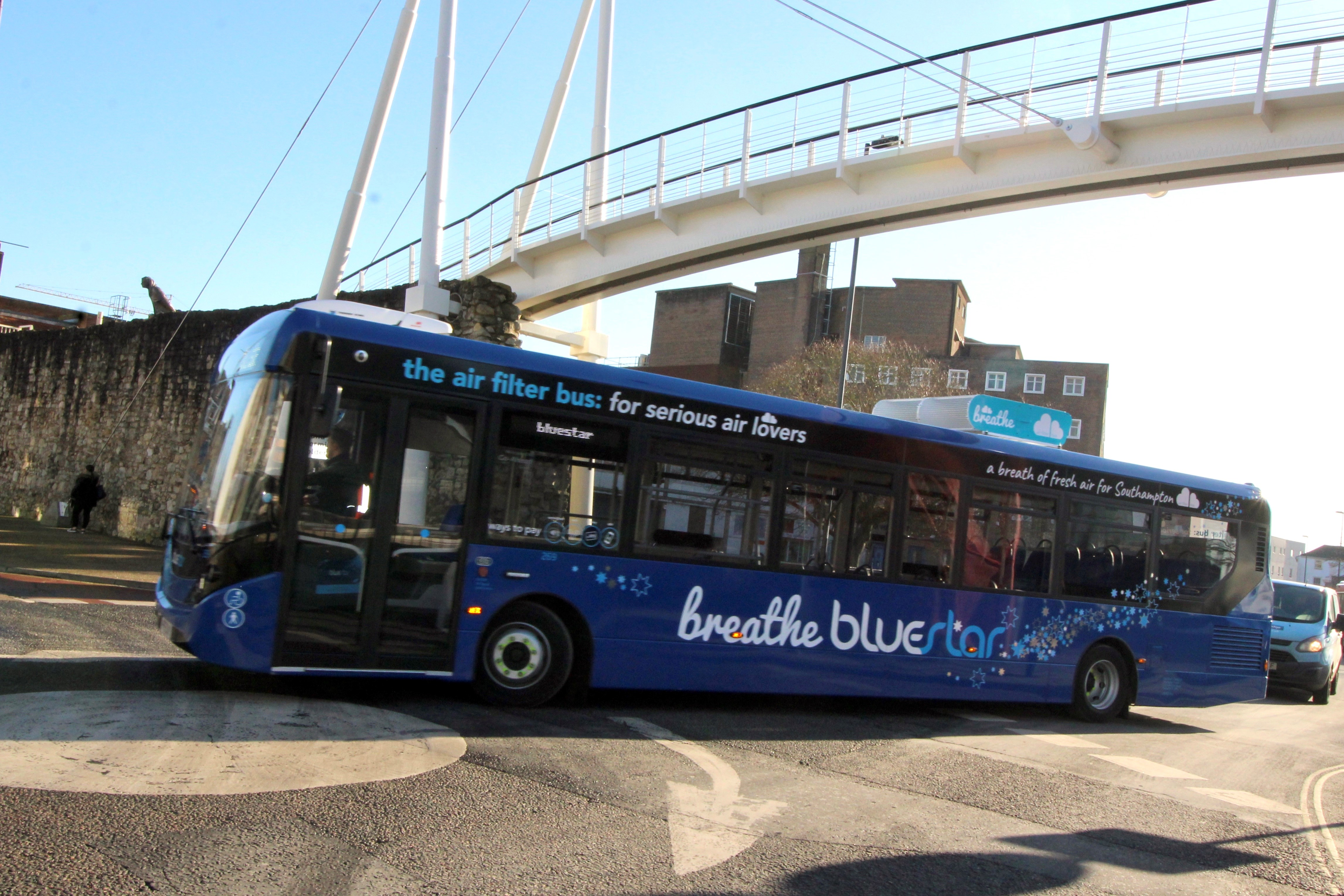 Image of a bluestar breather bus in Southampton
